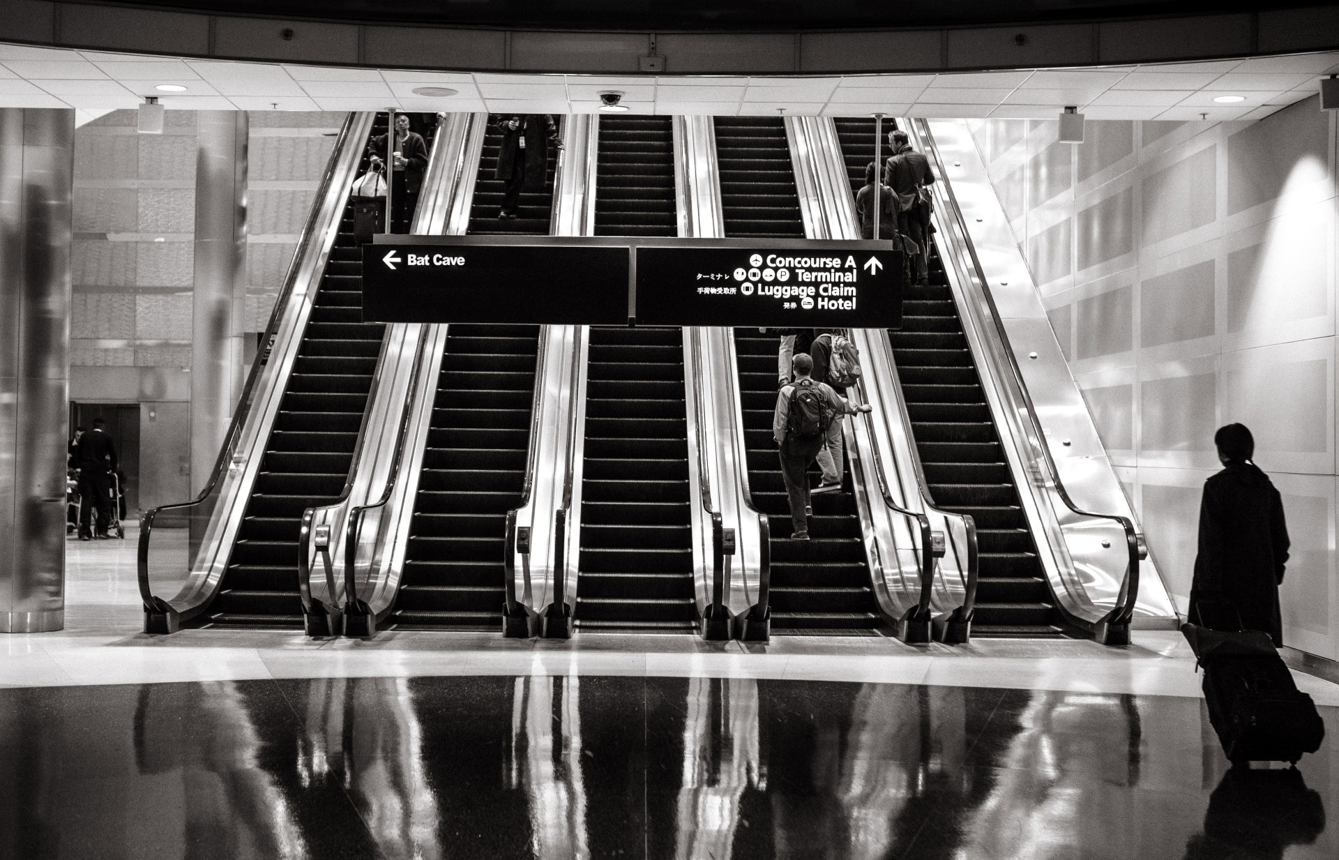 gratisography-black-white-escalators